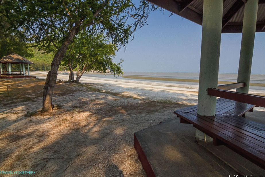 Sam-Phraya-beach-04