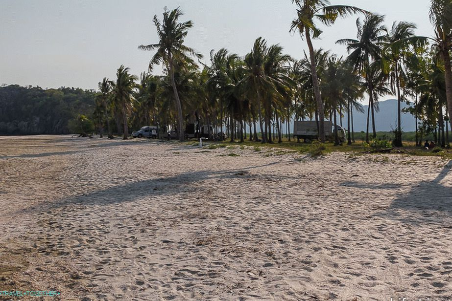 Sam-Phraya-beach-06
